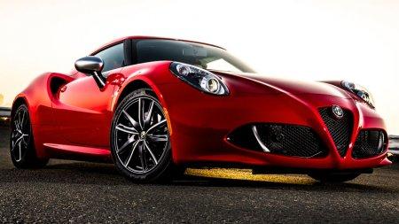 Спортивное купе Alfa Romeo 4C